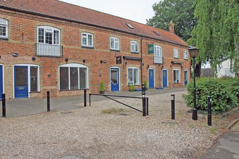 Property to rent - Lyles Court, Holt NR25