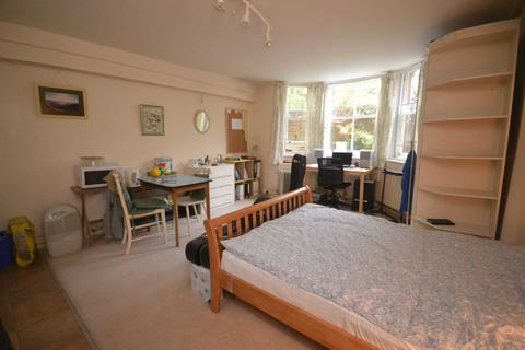 1 bedroom house share to rent - Alexander Road, Reading
