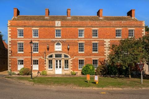 2 bedroom flat for sale - The Greyhound, 37 Market Place, Sleaford, NG34
