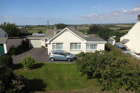 4 bedroom detached bungalow for sale - Church Lane, Frithelstockstone