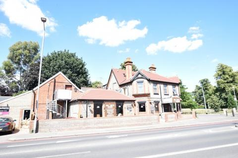 1 bedroom apartment to rent - Wokingham Road,  Reading, RG6