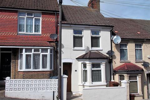2 bedroom terraced house for sale - Dagmar Road, Chatham, Kent ME4