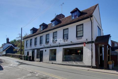 1 bedroom flat for sale - Swan Place, High Street, Yalding