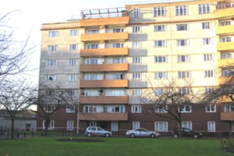 3 bedroom flat to rent - Westfield Court, Gorgie, Edinburgh, EH11 2RJ