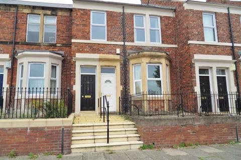 2 bedroom ground floor flat for sale - Bensham Crescent, Gateshead, Tyne & Wear, NE8 2YB