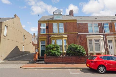 Mixed use to rent - Rectory Road, Bensham, Gateshead, Tyne and Wear, NE8 4SR