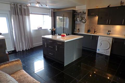 2 bedroom bungalow for sale - Beverley Terrace, Walker, Newcastle Upon Tyne, Tyne & Wear, NE6 3UT