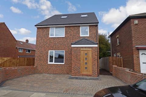 3 bedroom detached house for sale - McNamara Road, Wallsend, Tyne and Wear, NE28 7DY