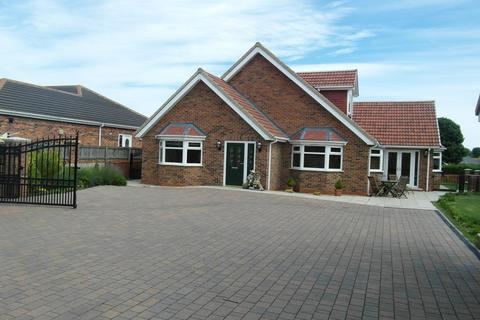 5 bedroom bungalow for sale - North Road East, Wingate, Durham, TS28 5AT