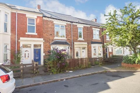 3 bedroom flat for sale - Hotspur Street, Heaton, Newcastle upon Tyne, Tyne and Wear, NE6 5BE