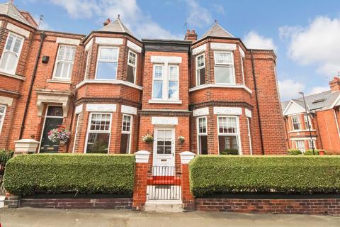 3 bedroom terraced house for sale - Ashwood Terrace, Thornhill, Sunderland, Tyne and Wear, SR2 7NB