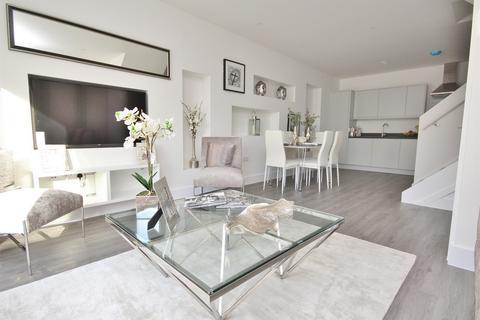 3 bedroom semi-detached house for sale - Fortescue Road, Parkstone, Poole, Dorset