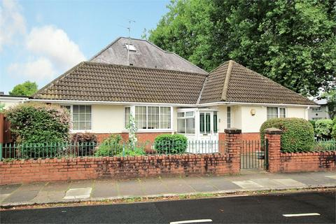 2 bedroom detached bungalow for sale - St Ambrose Road, Heath, Cardiff