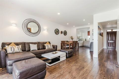 4 bedroom end of terrace house for sale - Rose Stapleton Terrace, Pages Walk, London, SE1