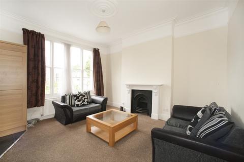 4 bedroom maisonette to rent - Leysfield Road, Shepherd's Bush W12
