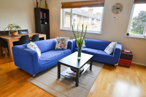 3 bedroom flat for sale - Longberrys, Cricklewood Lane, London, NW2 2TE