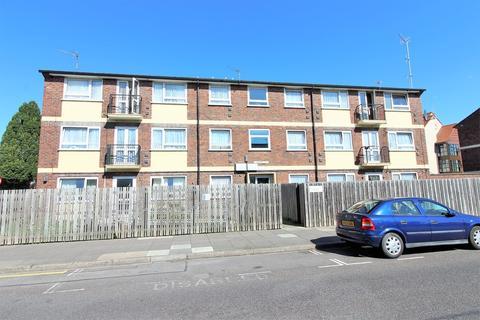 3 bedroom flat for sale - Arundel Street, Landport