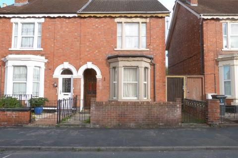 3 bedroom semi-detached house to rent - Furlong Road, Tredworth, Gloucester