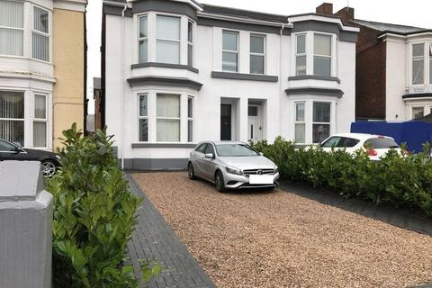 6 bedroom semi-detached house for sale - Bath Street, Southport