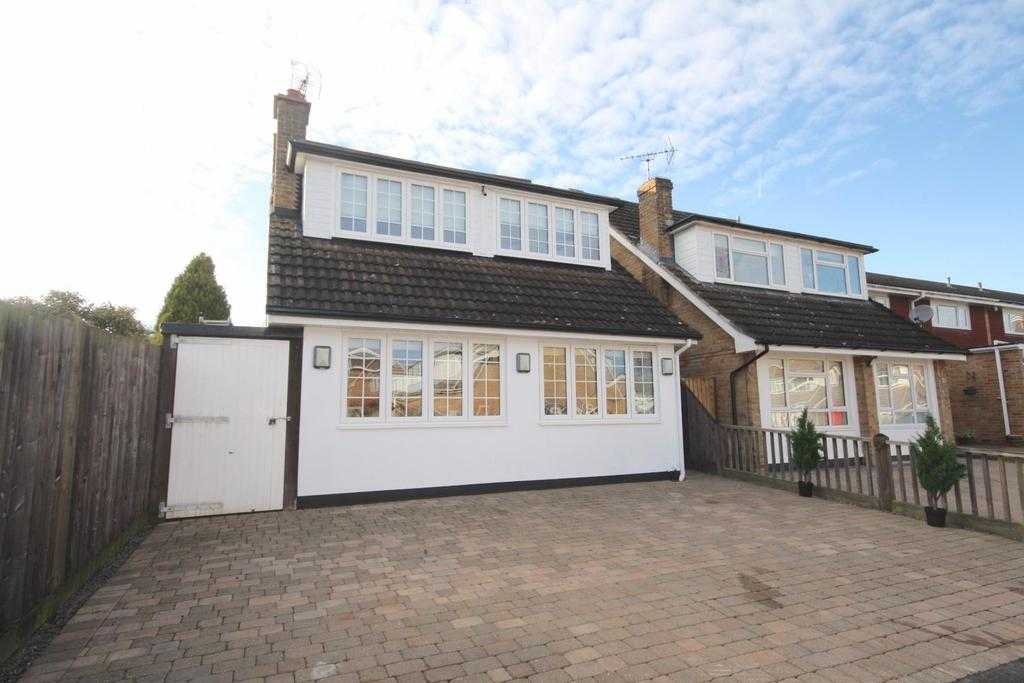 Viking Way, Pilgrims Hatch, Brentwood 4 bed house to rent