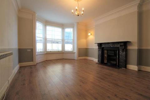 Studio to rent - Devonshire Place, Kemp Town, Brighton