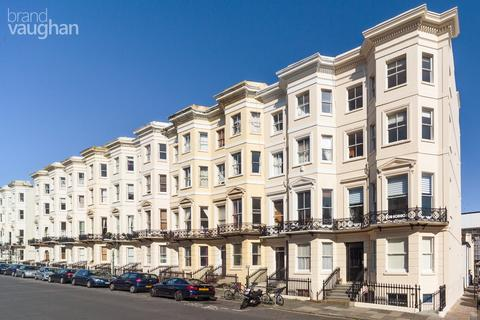 2 bedroom flat for sale - Holland Road, Hove, BN3