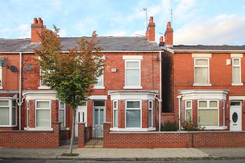 2 bedroom end of terrace house to rent - Taylors Road, Stretford, Manchester, M32
