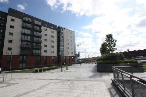 3 bedroom flat to rent - 6/1 11 Meadowside Quay Square