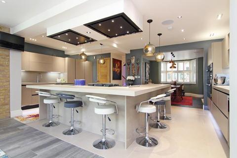 4 bedroom detached house for sale - Vine Road, Barnes