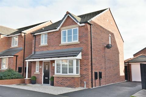 3 bedroom detached house for sale - Grove Farm Drive, Adlington