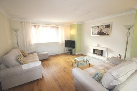 4 bedroom detached bungalow to rent - Herons View, Pengam