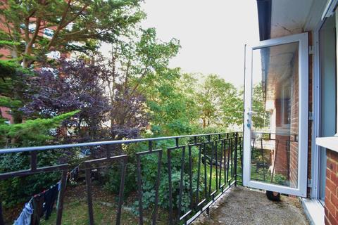 1 bedroom flat to rent - East Cliff