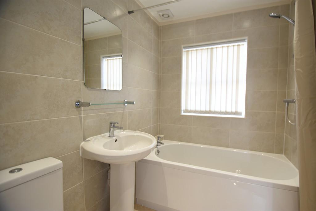 Modern newly fitted bathroom