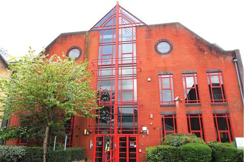 Studio to rent - Southern Court, South Street, Reading
