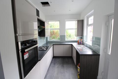3 bedroom terraced house to rent - Roach Road, Sheffield  S11