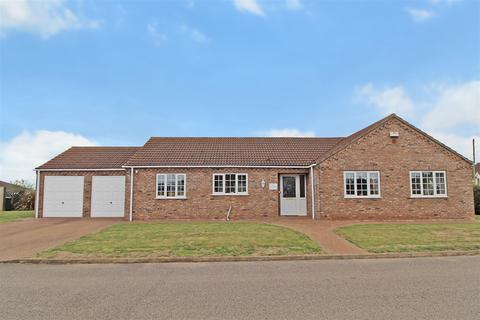 4 bedroom detached bungalow for sale - Kelham Place, Beldings Close, Firsby, PE23 5QS