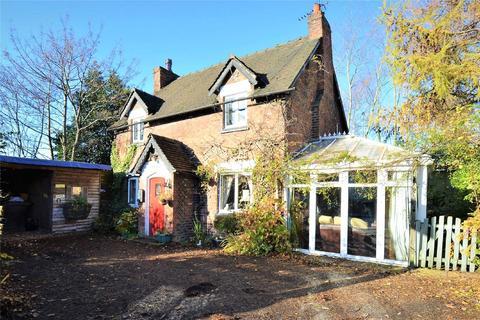 3 bedroom detached house for sale - Manchester Road, CARRINGTON, Manchester, M31