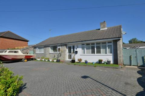 4 bedroom detached bungalow for sale - Sheringham Road, Poole, BH12 1NS