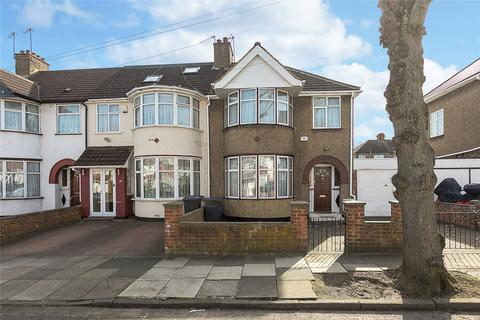 3 bedroom semi-detached house for sale - Eastcote Avenue, Greenford, UB6