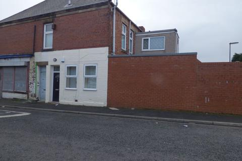 2 bedroom ground floor flat for sale - Benson Road, Byker, Newcastle upon Tyne, Tyne and Wear, NE6 2SE