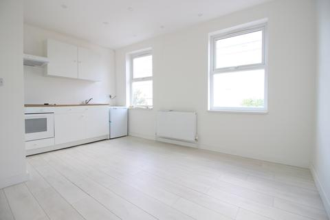 1 bedroom flat to rent - Seven Sisters Road, Holloway, London, N7