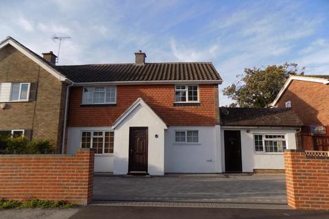 3 bedroom house to rent - Beechwood Avenue, Woodley, RG5