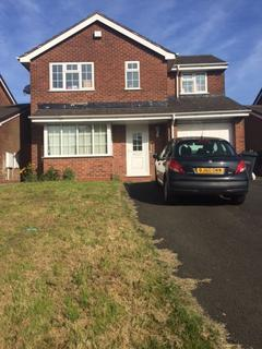 4 bedroom detached house to rent - Midhill Drive,Rowley Regis, B65 9SD