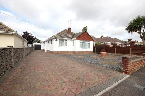 4 bedroom detached bungalow for sale - Hazlebury Road, Creekmoor, Poole