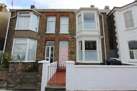 3 bedroom semi-detached house for sale - St Andrews Road, Deal, CT14