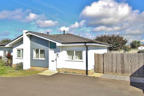 2 bedroom semi-detached bungalow for sale - Cynthia Road, Parkstone, POOLE, Dorset