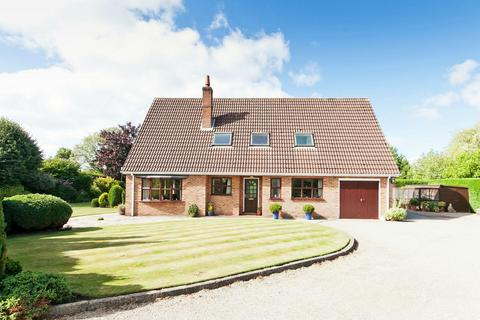 4 bedroom detached house for sale - Sheriff Hutton Road, Strensall, York