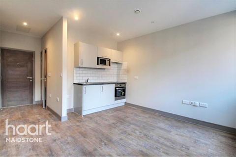 1 bedroom flat to rent - Week Street, ME14