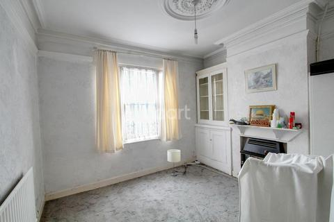 3 bedroom terraced house for sale - Filbert Street East, Leicester
