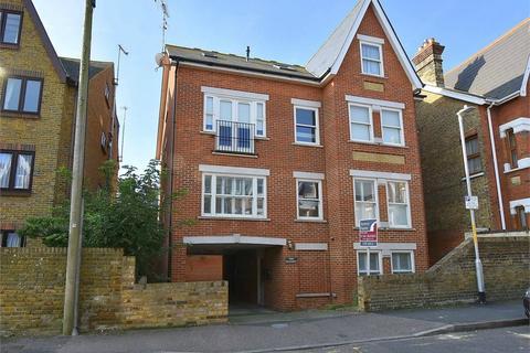 3 bedroom flat for sale - Wrotham Road, Broadstairs, Kent